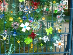 recycled plastic bottle flowers art project