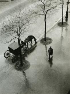 Boulevard_Poissonnie_re_Paris_by_Roger_Parry_1943