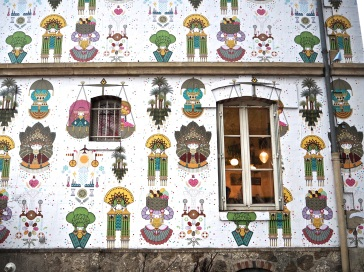 Street art mural Koralie Paris