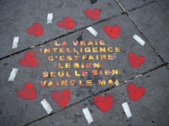 chalk street art Paris