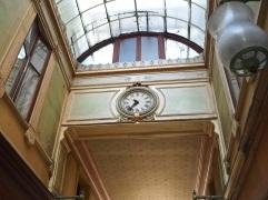 Passage Bourg l'Abbé - clock