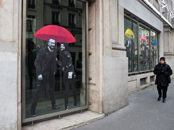 umbrellas street art paris parapluies