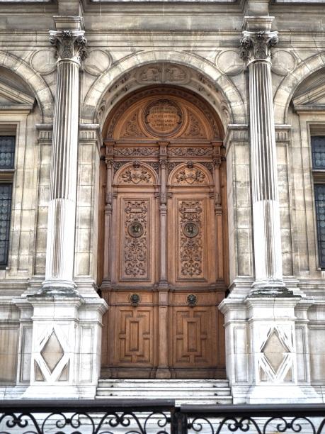 Paris Hôtel de Ville door