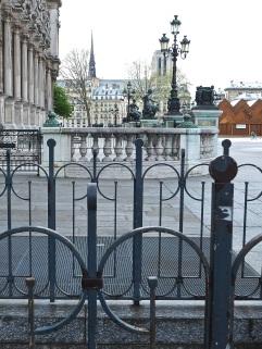 Hôtel de Ville railings Paris
