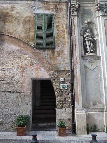 Ventimiglia arch & door