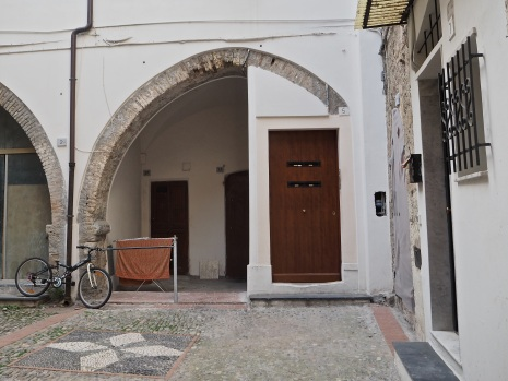 Ventimiglia Alta arch and doors