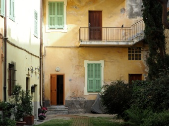 Ventimiglia Alta doors & windows