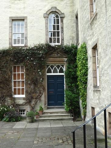 5 Chessel's Court, Canongate
