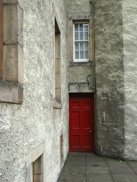 A narrow entrance in Edinburgh's Canongate - May 2016