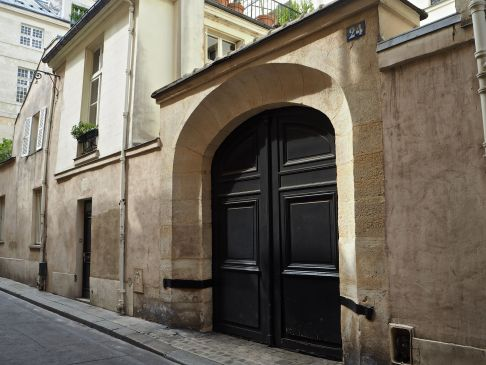 Number 24 was the home of the poet and dramatist Jean Racine for some years up to his death in 1699.