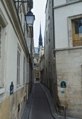 An ancient narrow street on Île de la Cité