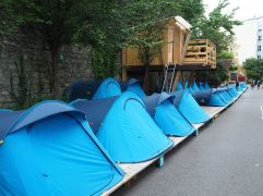 Tents and cabins to hire by the night managed by Yes We Camp.