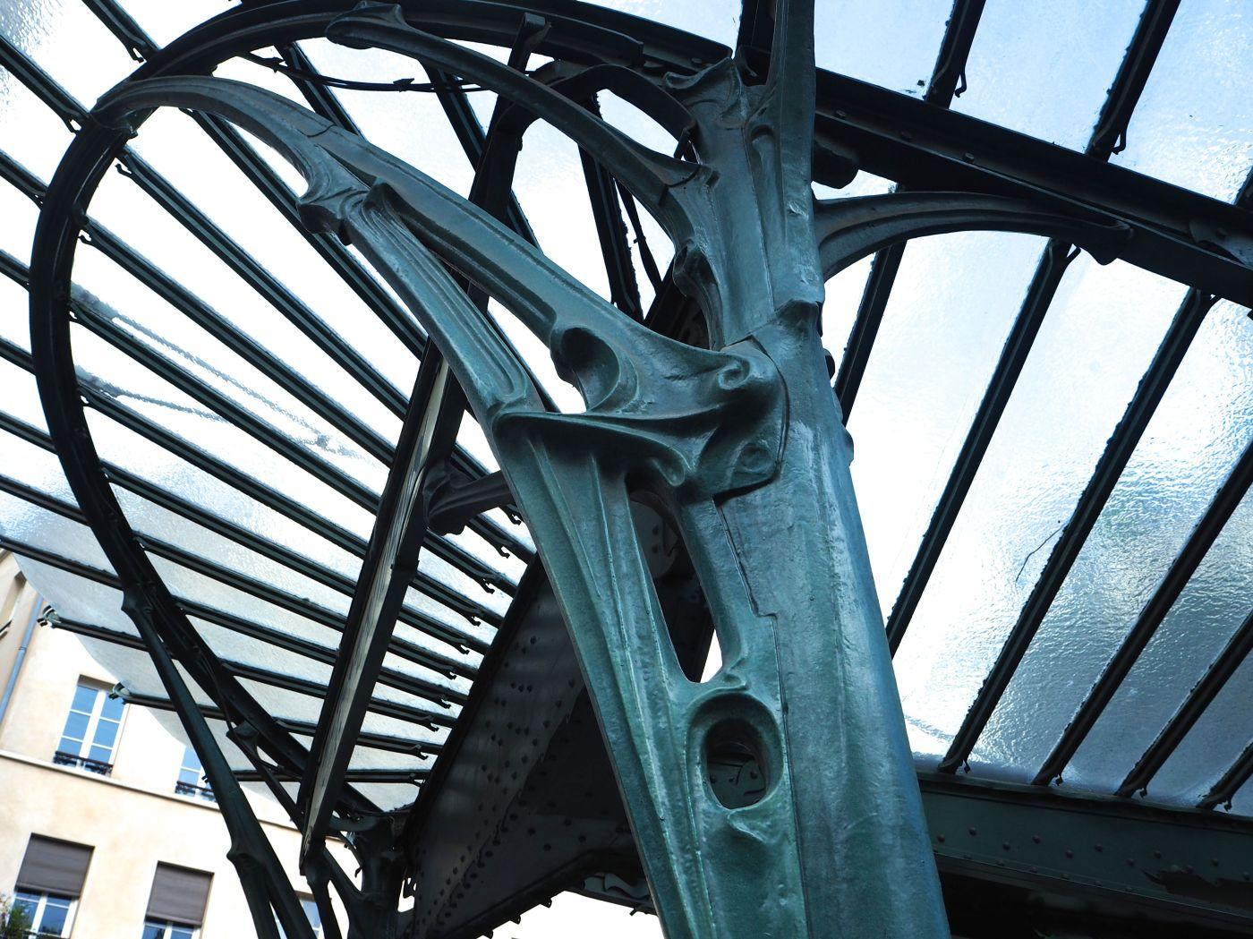 chatelet metro canopy