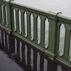 Looking through the bridge in three dimensions