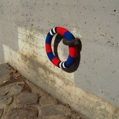A knitted ring cover - well, why not?