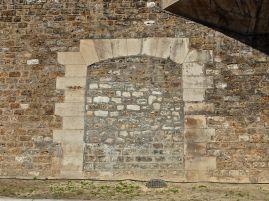 quayside doorway berges de la seine