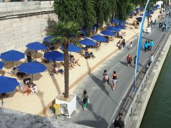 and a place in the sun on Paris Plage.