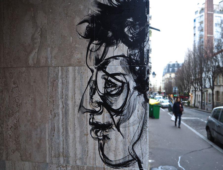 street art paris anonymous