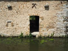 The water is much cleaner than it would have been when the tannery was in action.