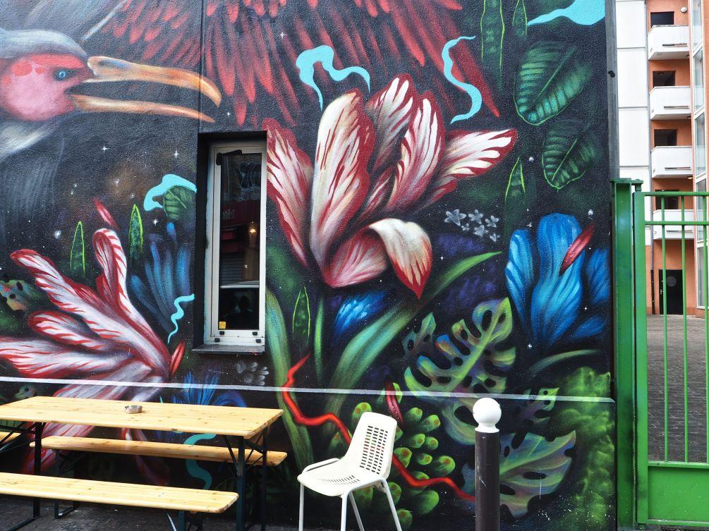 Bailon mural detail flowers