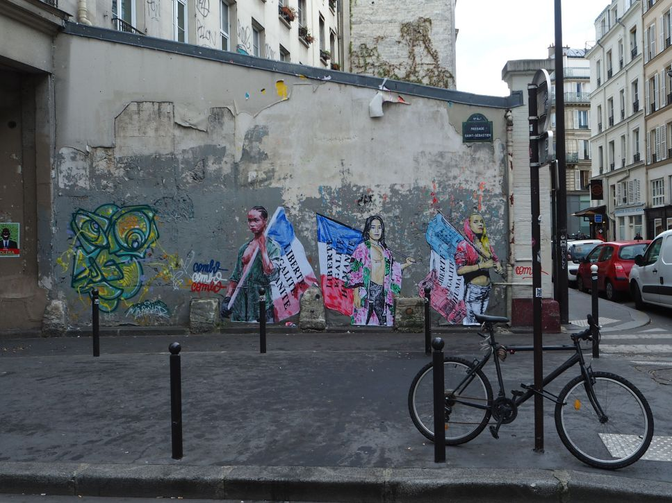 Combo street art Paris 11
