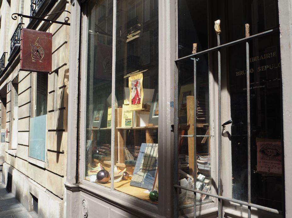 bookshop window paris 6