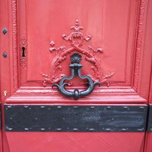rue grenelle door knocker paris 6