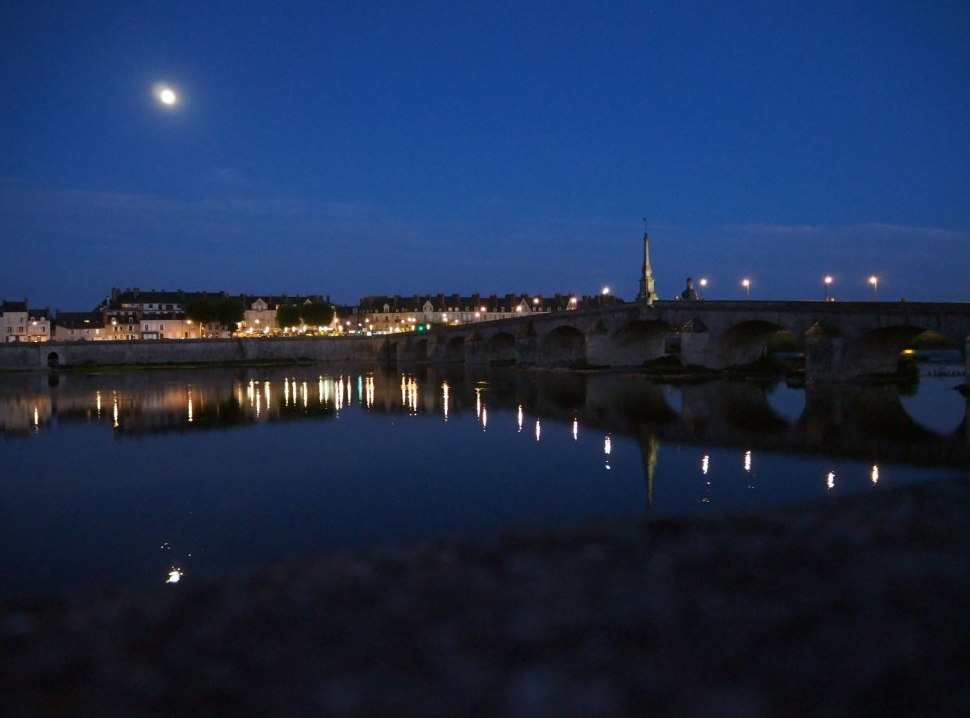 full moon Blois reflection loire