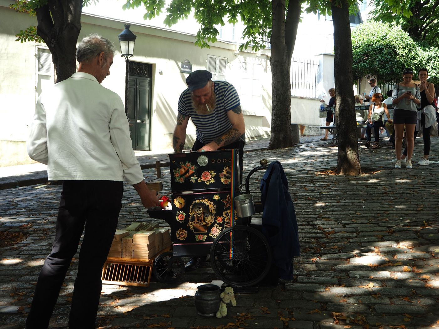 Montmartre barrel organ