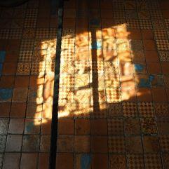 sunlight on tiles château de blois