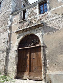 carved door blois