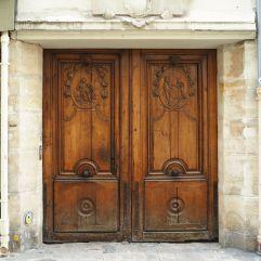 carved door rue du canivet paris 6