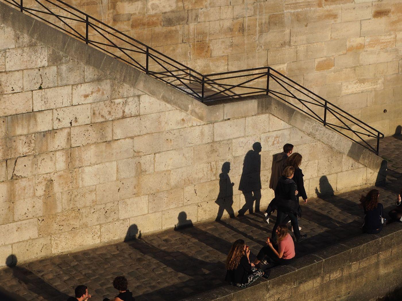 quayside shadows paris