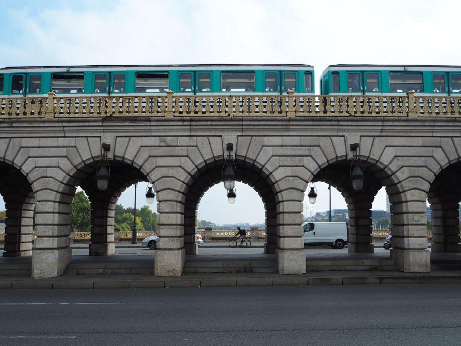 pont de Bercy metro train