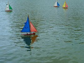 Boats on the pond in the Jardin du Luxembourg