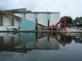 Cement works on the Canal de l'Ourq