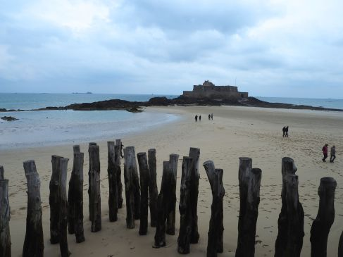 fort and beach st malo