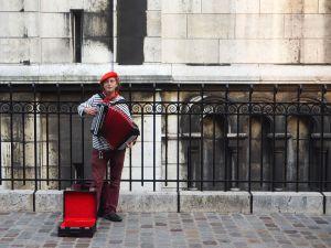 accordion player montmartre