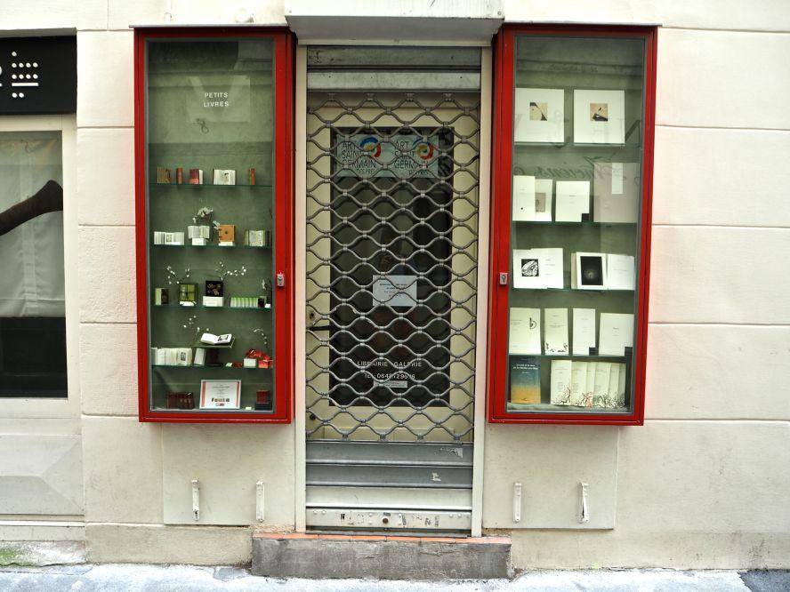 small book specialist paris 5