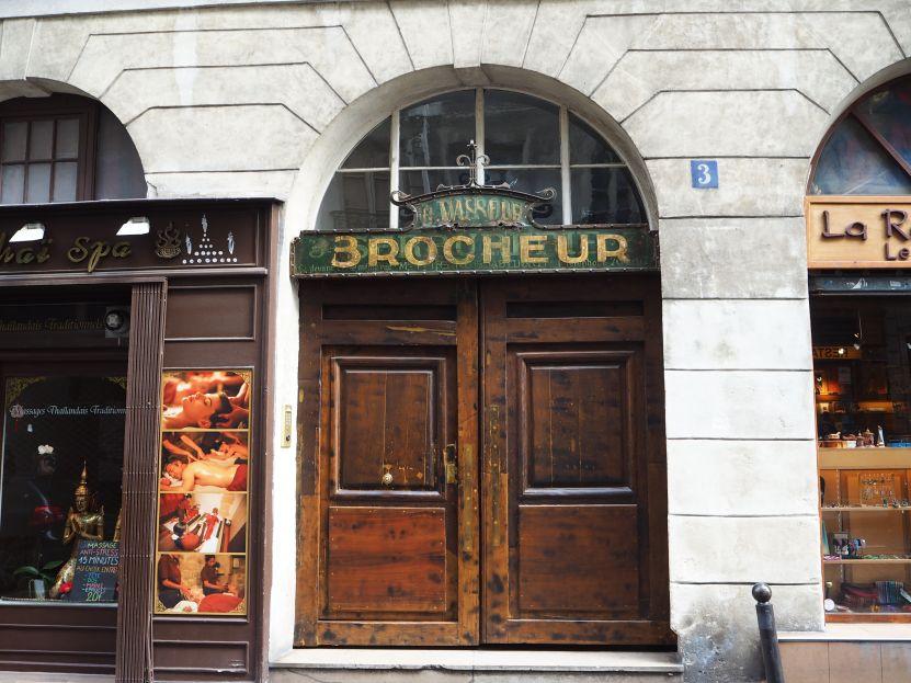 brocheur paris 5