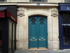 Another nineteenth century boulevard door with no doubt about the number of the building