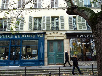 Just round the corner from Rue de la Bûcherie - the bûcherie isn't a misspelt butchery but rather a (long gone) log yard or firewood supplier