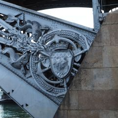Marine details on Pont d'Austerlitz