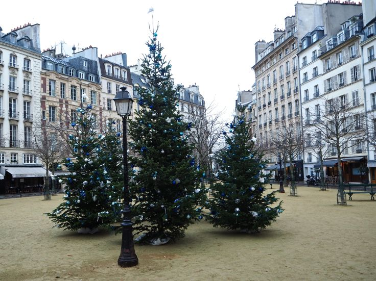 christmas trees place dauphine