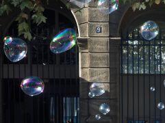 Bubbles at the Hôtel de Ville - October 2015