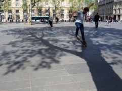 Spring skateboarders at Place de la République - May 2016