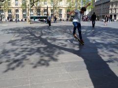 Spring skateboarders at Place de la République - May 2016