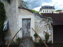 May - aging gracefully in St Remy-les-Chevreuses
