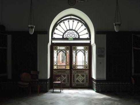 June - tranquility at the Grande Mosquée de Paris