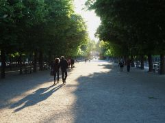 Late April - evening shadows in the Jardin du Luxembourg